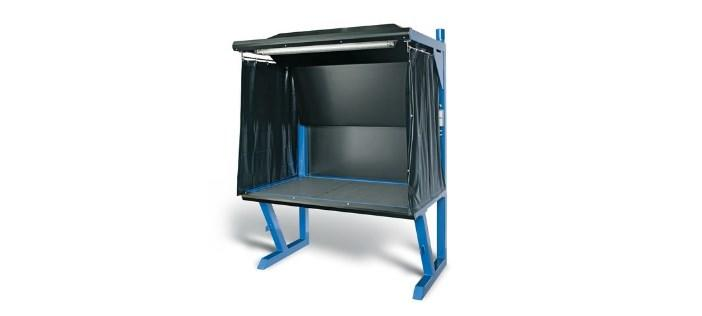 Extraction table with air supply and extraction