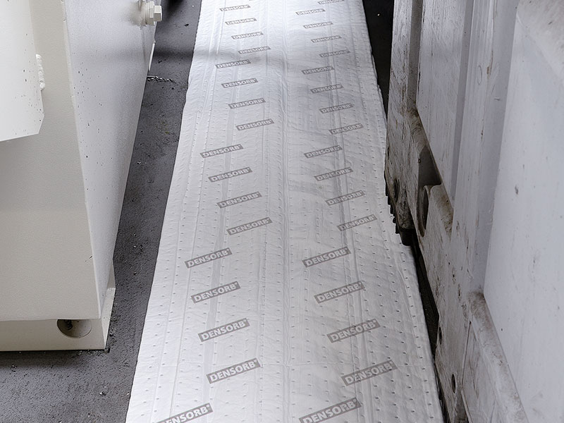 Rolls as absorbent floor coverings in production