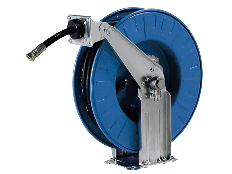 Hose and cable reels